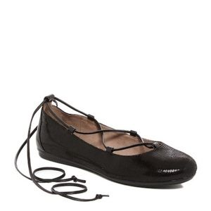 Easy Spirit Shoes - Easy Spirit Ginada reptile-embossed lace-up flat